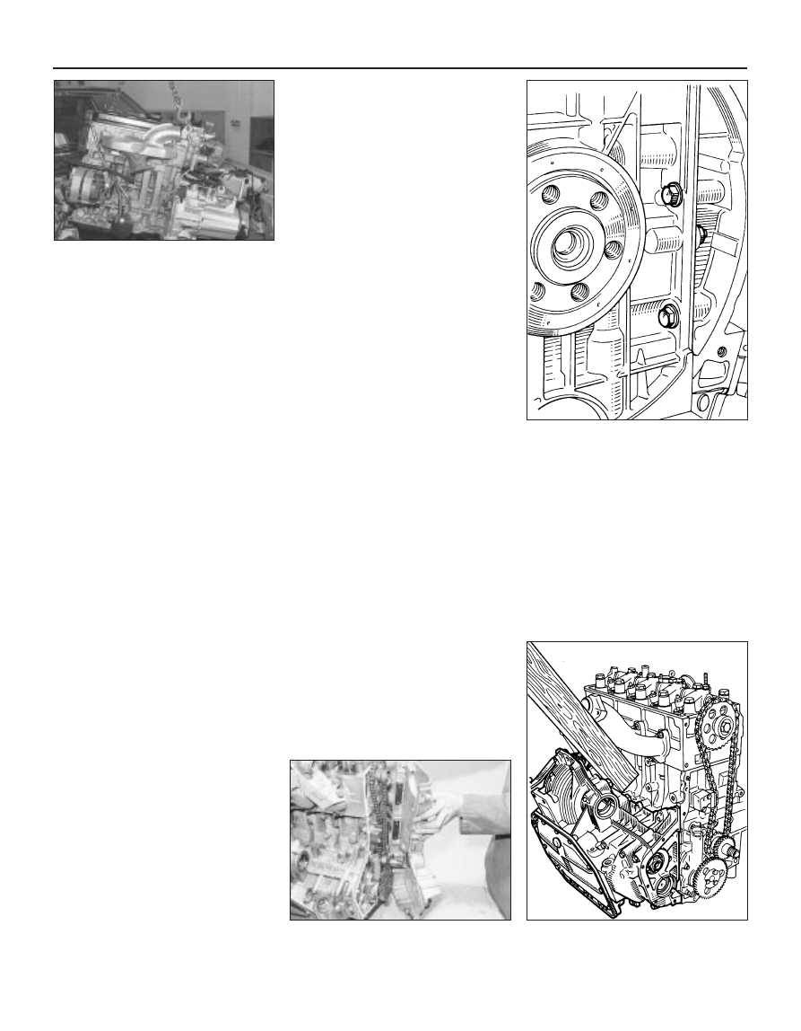 Peugeot 205 Manual Part 16 Transmission Wiring Harness Spring Clips The Connectors Also Where Applicable Trace Leads Back To Relay Box Situated Beside Battery Unclip